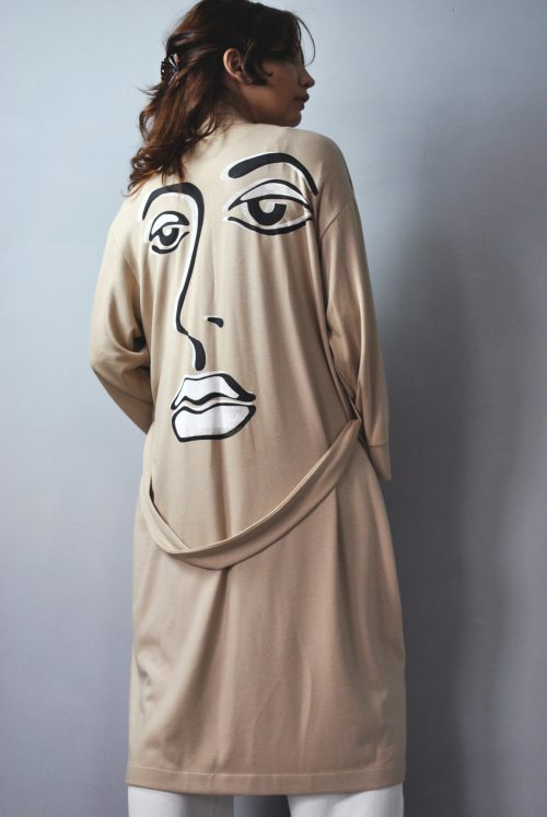 Slip on gown in sand beige with screen print
